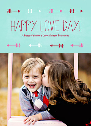 Happy Love Day with Arrow Pattern 5x7 Flat Card